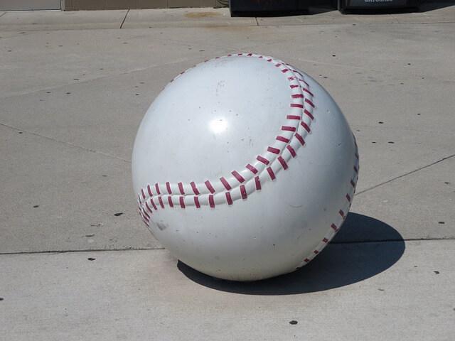 baseball-180097_640